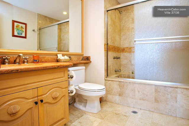 Guest Bathroom – Villa 3708