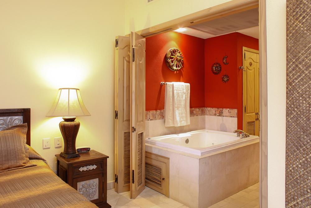 Master Bath – Villa 1707